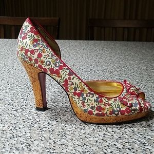 Size 6 Unlisted floral heel